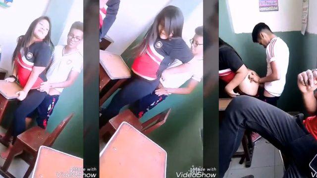colegiala cogiendo en el salon de clases con su amigo nerd